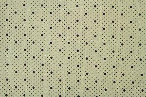Tecido para Patchwork Poá Preto fd. Palha (0,50m x 1,50m)