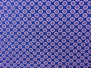Tecido para Patchwork Floral Geométrico Lilás fd. Roxo (0,50m x 1,50m)