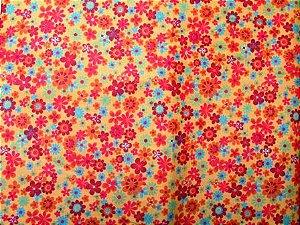 Tecido para Patchwork Floral fd. Amarelo (0,50m x 1,50m)