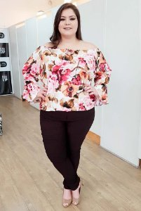 Blusa Ombro a Ombro Floral Plus Size