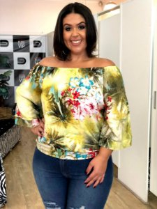 Blusa Tropical Ombro a Ombro Plus Size