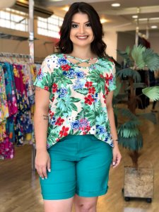 Look Completo (Blusa + Shorts de Bengaline)
