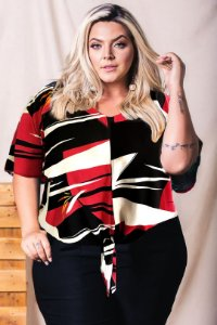 Blusa Geométrica Red Plus Size