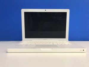 "Macbook White 13"" 2008 - Intel Core i2 2,4 GHZ -  2GB Ram - 160GB HD Sata - Usado - 3 Meses de Garantia TudoiPhone"