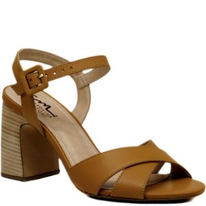 c6f40b692 Sandália com Salto Grosso Médio - Amaranto - AN44241 - Sapatos ...