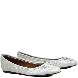 Sapatilha confortável - Verniz Matelassê - Off White - GIU10236