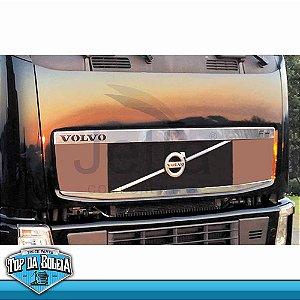 Jogo de Apliques em Inox da Grade Superior e Inferior Volvo FH Antigo