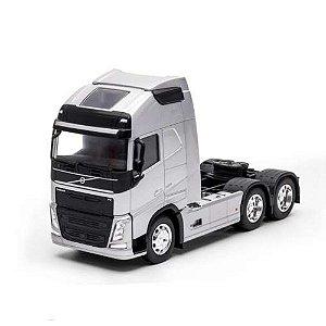 Miniatura Caminhão New Volvo Fh 500 6x2 Escala 1:32 Prata