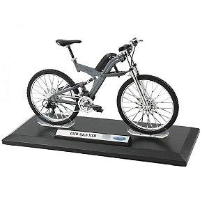 Miniatura Bicicleta BMW Q6.S XTR - Welly 1:10