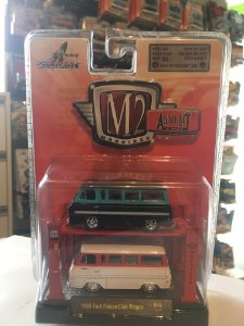 M2 Auto Lift 1/64 - 1965 Ford Falcon Club Wagon R14