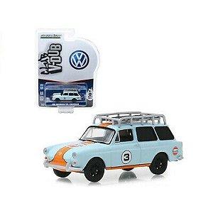 "Miniatura Carro Volkswagen Type 3 Squareback ""Gulf"" (1965) - Club V-Dub - Série 9 - 1:64 - Greenlight Ref.: 29960-C"