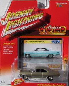 Miniatura Carro Ford Fairlane 500 XL (1967) - Classic Gold - 2016 Series - Dourado - 1:64 - Johnny Lightning