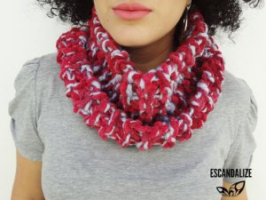 Gola em Tricot Infinito Scarlet