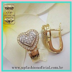 BRINCO ARGOLA GRANDE COM ZIRCÔNIAS FOLHEADO EM OURO 18K - Up Fashion ... cad88777d8