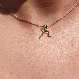 Pingente Corredora CJ - Folheado Ouro 18k, Folheado Ouro Branco (Ródio) e Folheado a Prata