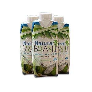 Água de Coco Natural Brasil contendo 3 unidades de 330ml cada