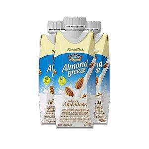 Bebida Vegetal de Amêndoas sabor Baunilha Almond Breeze contendo 3 unidades de 250ml cada