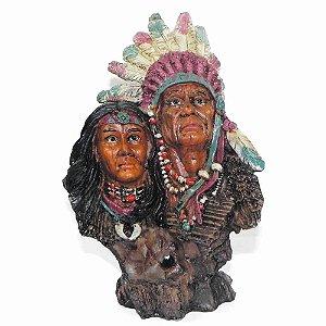 Estatua Xamã Casal de Índios em resina