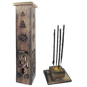 Incensário torre de madeira com entalhe peruano