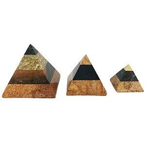 Pirâmide em Pedra Sabão