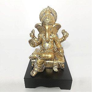 Ganesha Dourado
