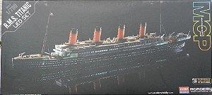 R.M.S. Titanic - escala 1/700 - Academy - iluminado por leds!!!