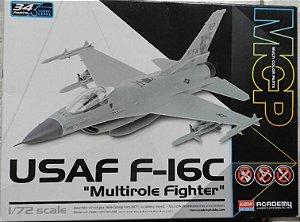 """USAF F-16C """"Multirole Fighter"""" - escala 1/72 - Academy"""