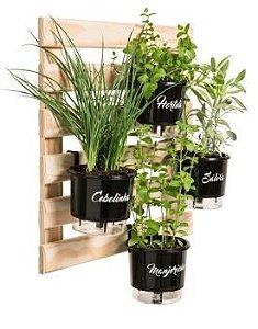 Horta  Vertical Auto-Irrigável - treliça (60x60) + 4 Vasos Linha Gourmet + 4 suportes de ferro