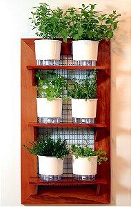 Horta Na Vertical de Peroba 100x55cm + 3 Prateleiras + 6 Vasos AutoIrrigáveis Raiz Brancos