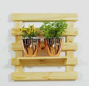 Horta Vertical - Treliça & Pallet - 1 prateleira e com 2 Vasos Auto Irrigáveis da Plantiê (cores metalizadas)