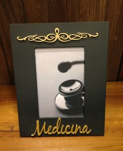 Porta Retrato Ouro e preto 15x21- Medicina