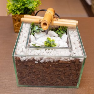 Fonte em Vidro quadrada com Bica Bambu 15x10