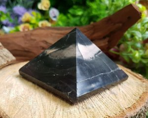 Pirâmide de Pedra 390g - Ônix