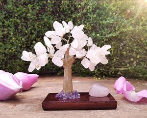 Árvore de Pedra com base Madeira - Quartzo Rosa