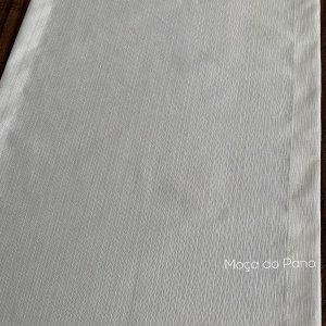 Caminho de Mesa Adamascado Branco de 2 metros