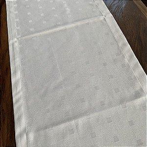 Caminho de Mesa Adamascado Quadriculado Branco
