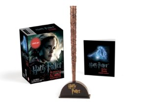 Kit Réplica e Livro Harry Potter Hermione's Wand with Sticker - Lights Up!