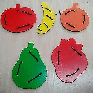 Brinquedo Pedagógico Frutas Alinhavos em mdf