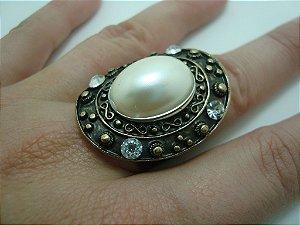 Anel Feminino - Pérola - Cristais - Ouro velho e formato Oval