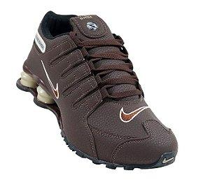 Tênis Nike Shox NZ - Marrom