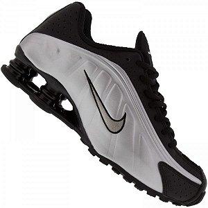Tênis Nike Shox R4 - Branco e Preto