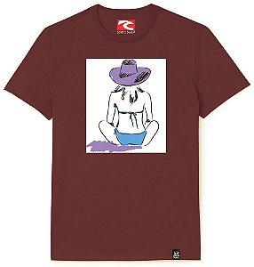 Camiseta Santo Swell Girl sitting on the prais Estampada Manga Curta 4 Cores