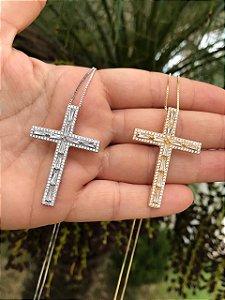 Colar Cruz Cravejada com Navetes de Zircônia