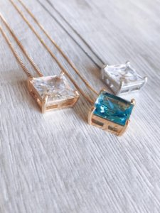 Colar quadrado Cristal
