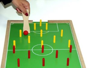 Futebol de pinos - MDF c/ 2 pazinhas - PVC enc.