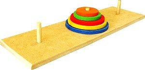 Brinquedo Educativo Torre De Hanoi Base 36x12cm Com 3 Pinos Em Madeira - FUNDAMENTAL