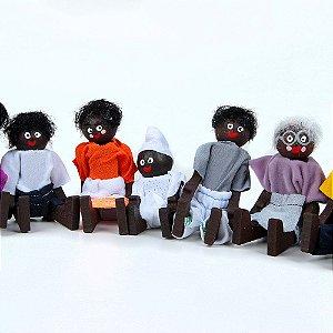Brinquedo Educativo Família Terapêutica Negra Em Madeira - JOTTPLAY