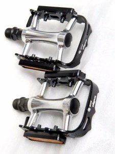 Pedal 9/16 Wellgo M248 Alumínio Com Borda de Aço