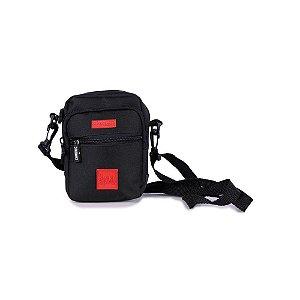 Shoulder Bag Chronic Preta com Logo Vermelho