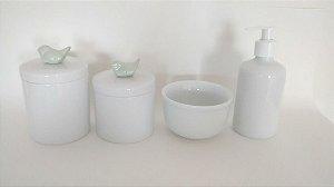 Kit Higiene Bebê Porcelana  Pássaro Verde Perolado   4 Peças  